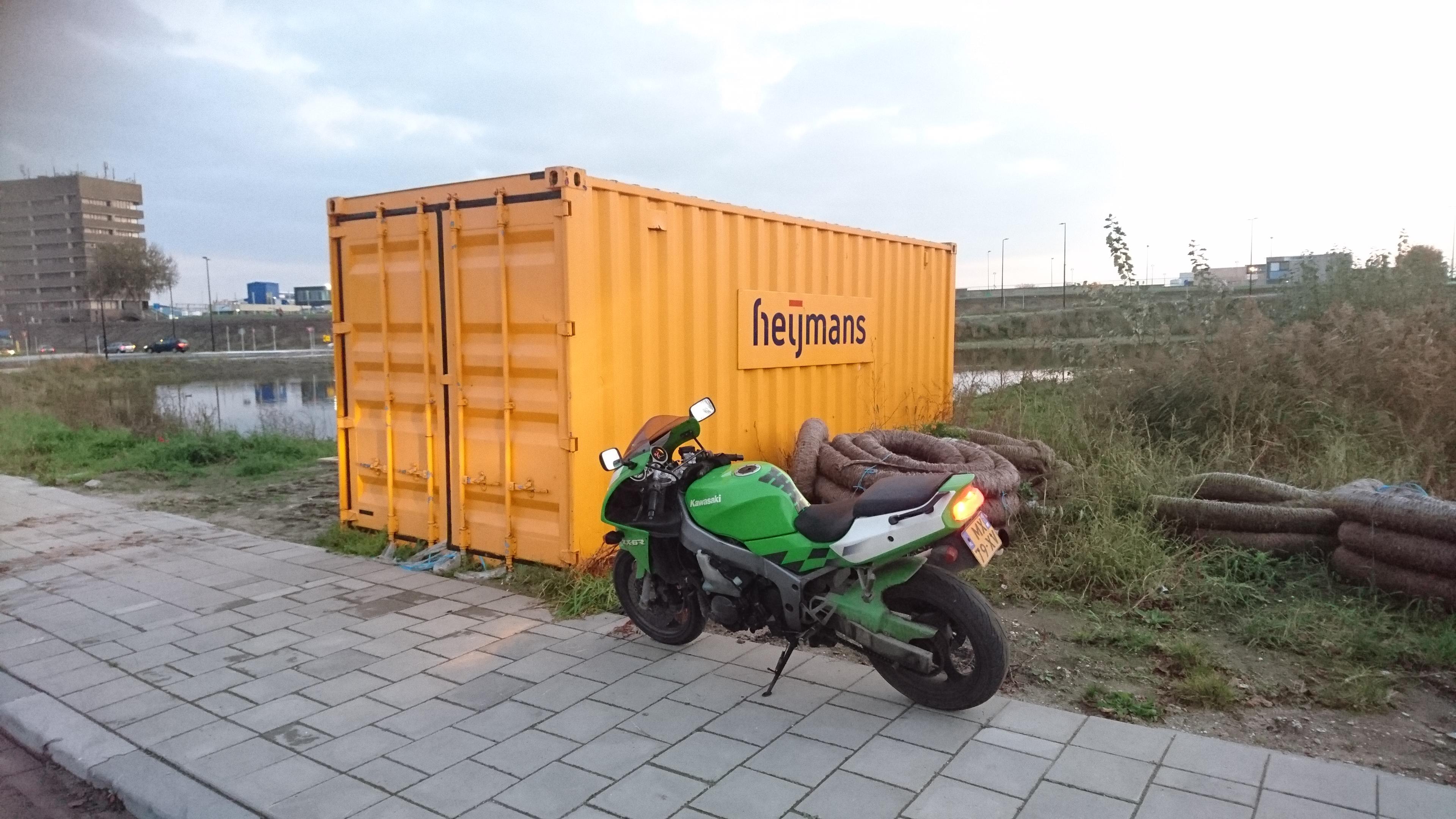 http://piczwart.nl/moto/punten/634.jpg